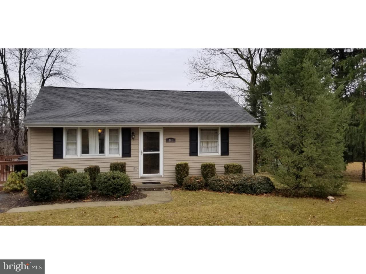 独户住宅 为 销售 在 441 ADAMS Road Breinigsville, 宾夕法尼亚州 18031 美国
