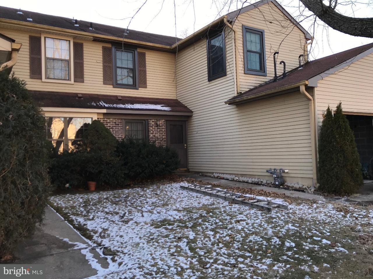 联栋屋 为 出租 在 61 E OLEANDER Drive Mount Laurel, 新泽西州 08054 美国