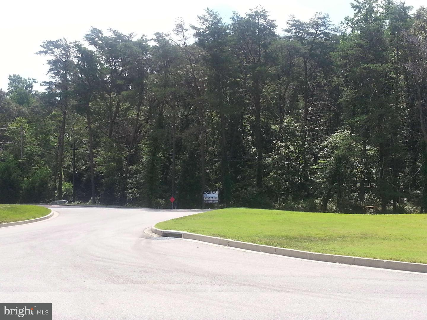 Additional photo for property listing at 30 American Ln  Lusby, Maryland 20657 United States