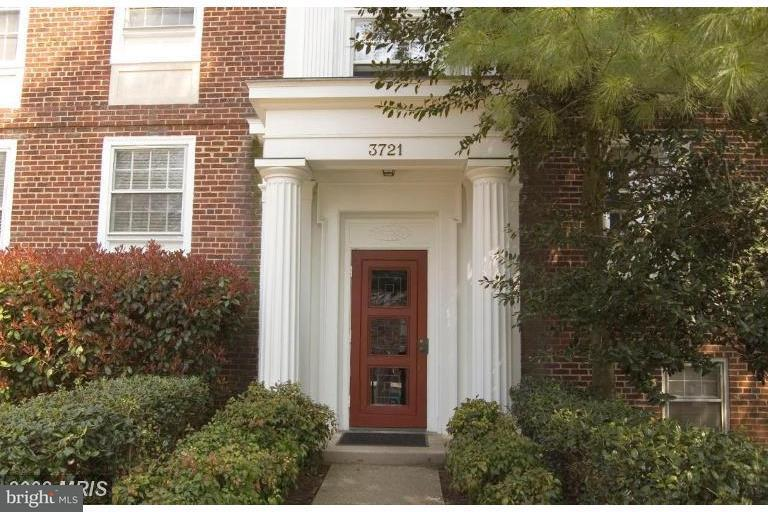 Condominium for Sale at 3721 39th St Nw #B194 3721 39th St Nw #B194 Washington, District Of Columbia 20016 United States