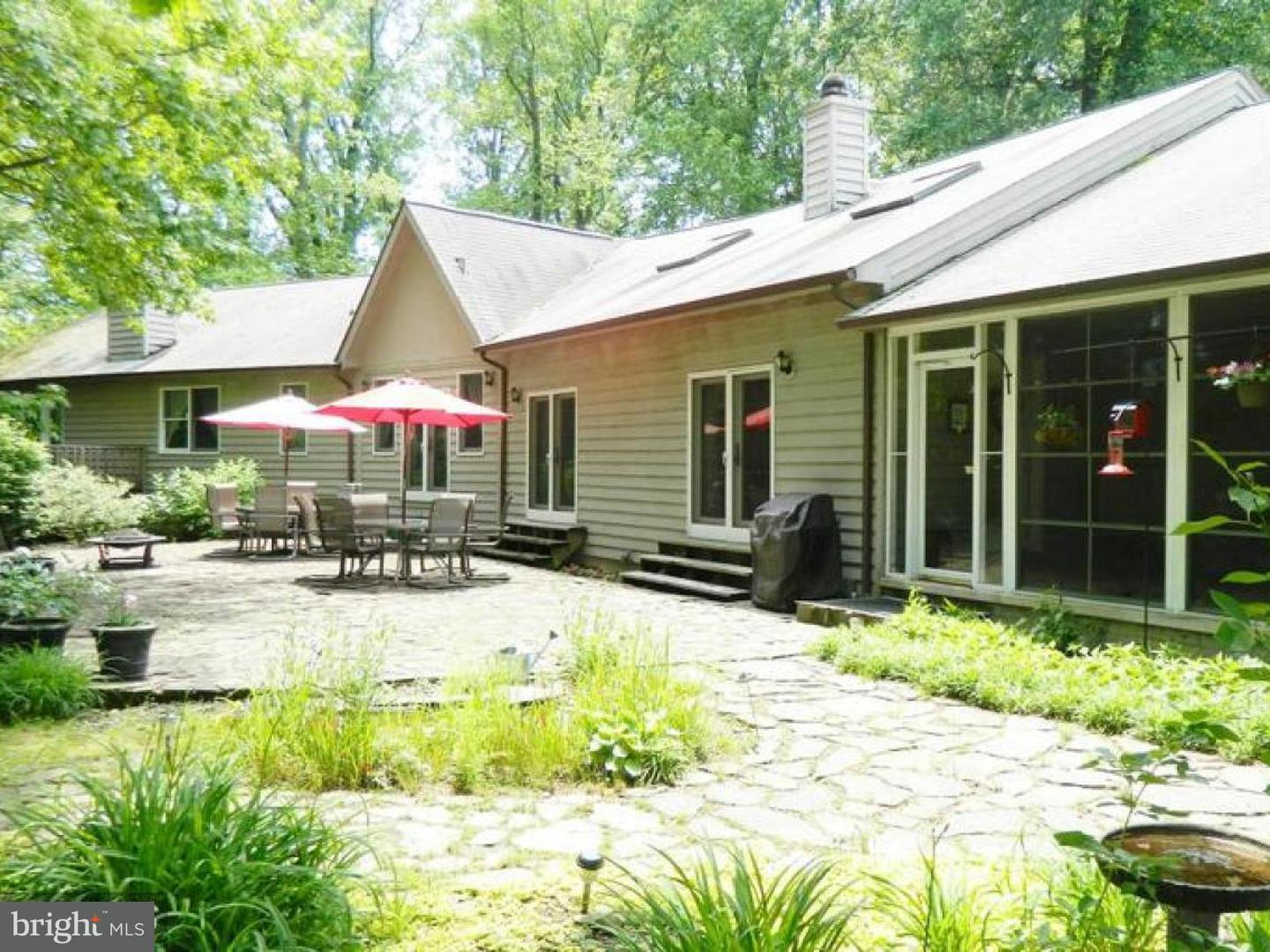 Single Family for Sale at 18254 Cherryfield Rd Drayden, Maryland 20630 United States