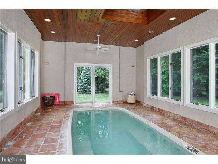 Additional photo for property listing at 875 COX Road  Moorestown, 新泽西州 08057 美国