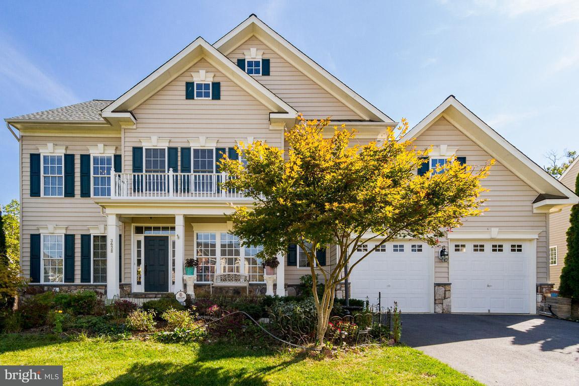 Casa Unifamiliar por un Venta en 3628 Stonewall Manor Drive 3628 Stonewall Manor Drive Triangle, Virginia 22172 Estados Unidos