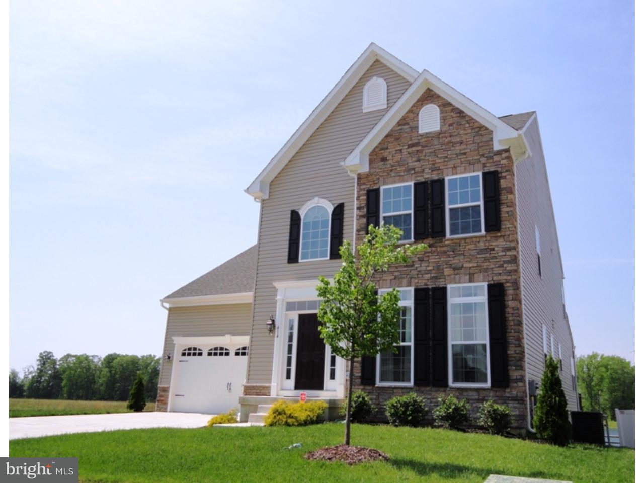 Maison unifamiliale pour l Vente à 414 CRISPIN WAY Glassboro, New Jersey 08028 États-Unis