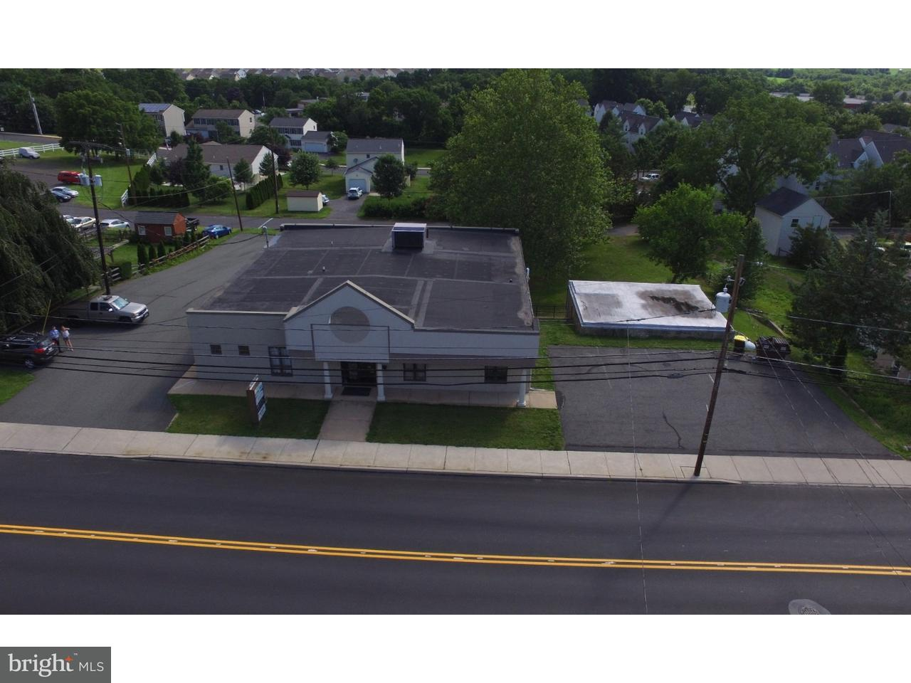 Частный односемейный дом для того Аренда на 570 MAIN Street Pennsburg, Пенсильвания 18073 Соединенные Штаты