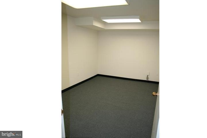 Additional photo for property listing at 2141 P St NW #7  Washington, District Of Columbia 20037 United States