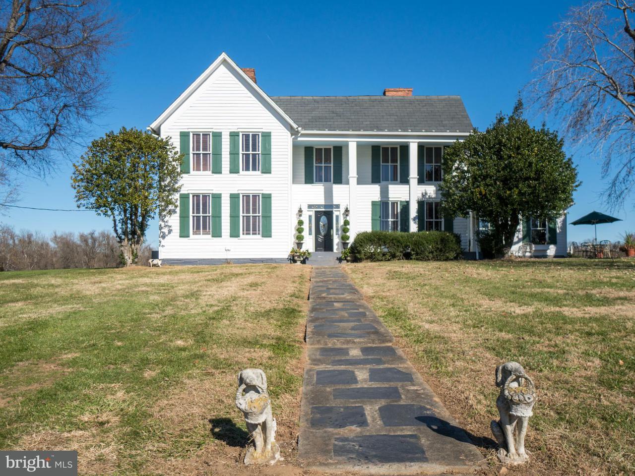 独户住宅 为 销售 在 10335 Bridgeport Road 10335 Bridgeport Road Arvonia, 弗吉尼亚州 23004 美国