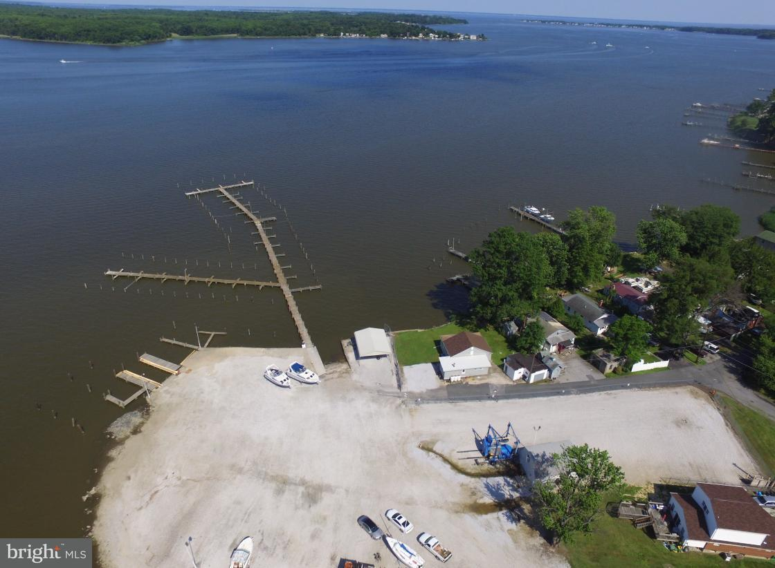 Commercial for Sale at 4309 Shore Drive 4309 Shore Drive Sparrows Point, Maryland 21219 United States