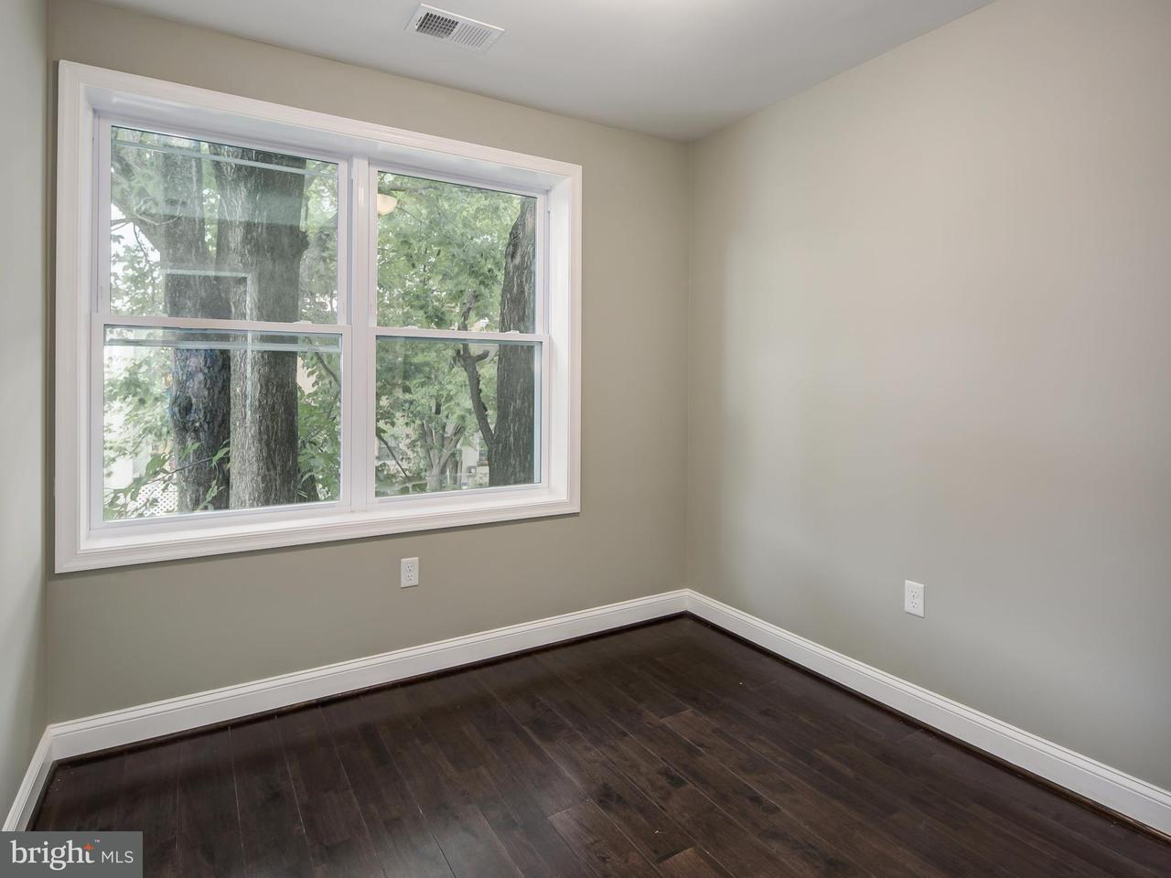 Additional photo for property listing at 1232 16th St NE #3  Washington, District Of Columbia 20002 United States