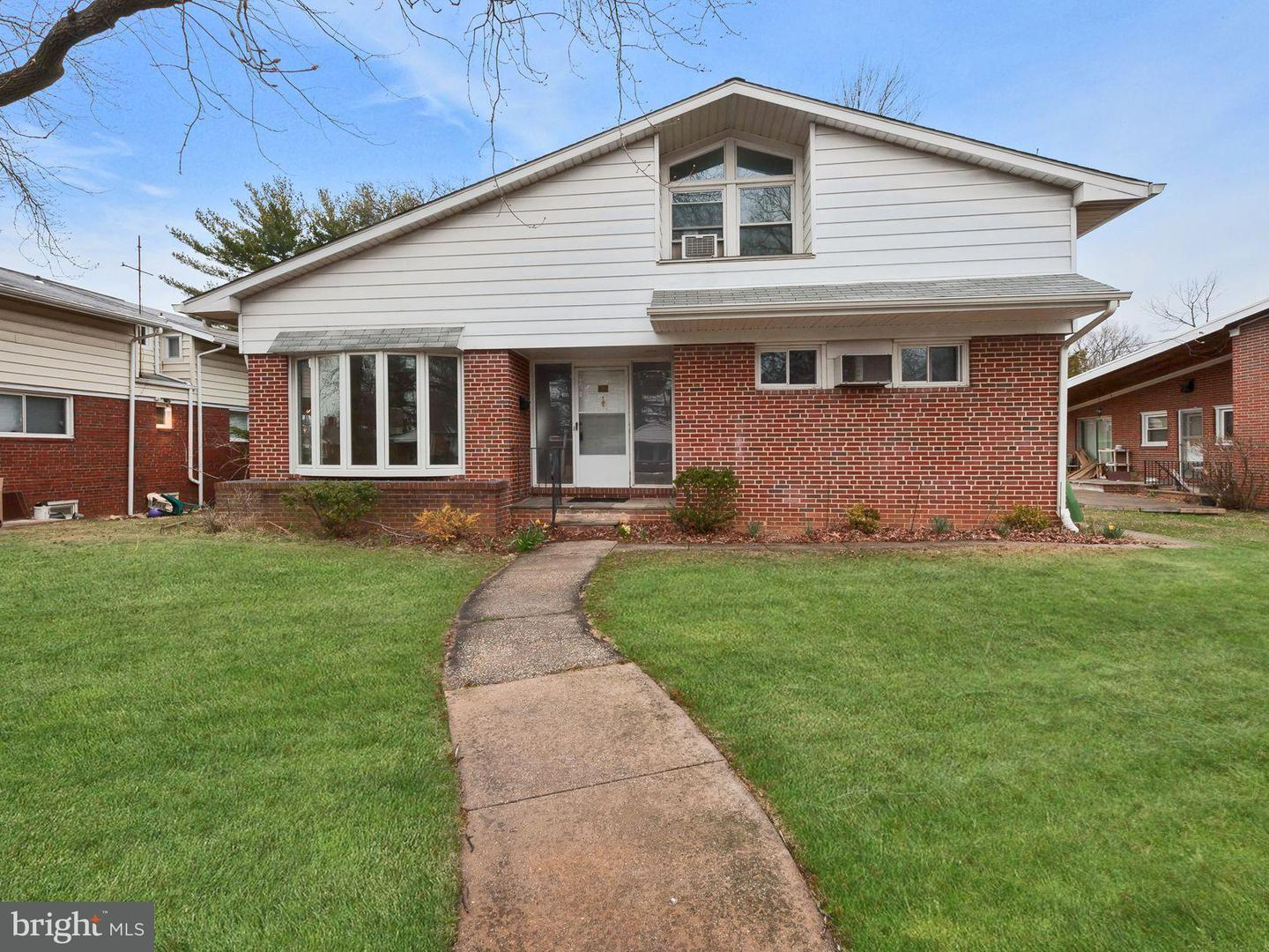 Single Family for Sale at 3102 Shelburne Rd Baltimore, Maryland 21208 United States