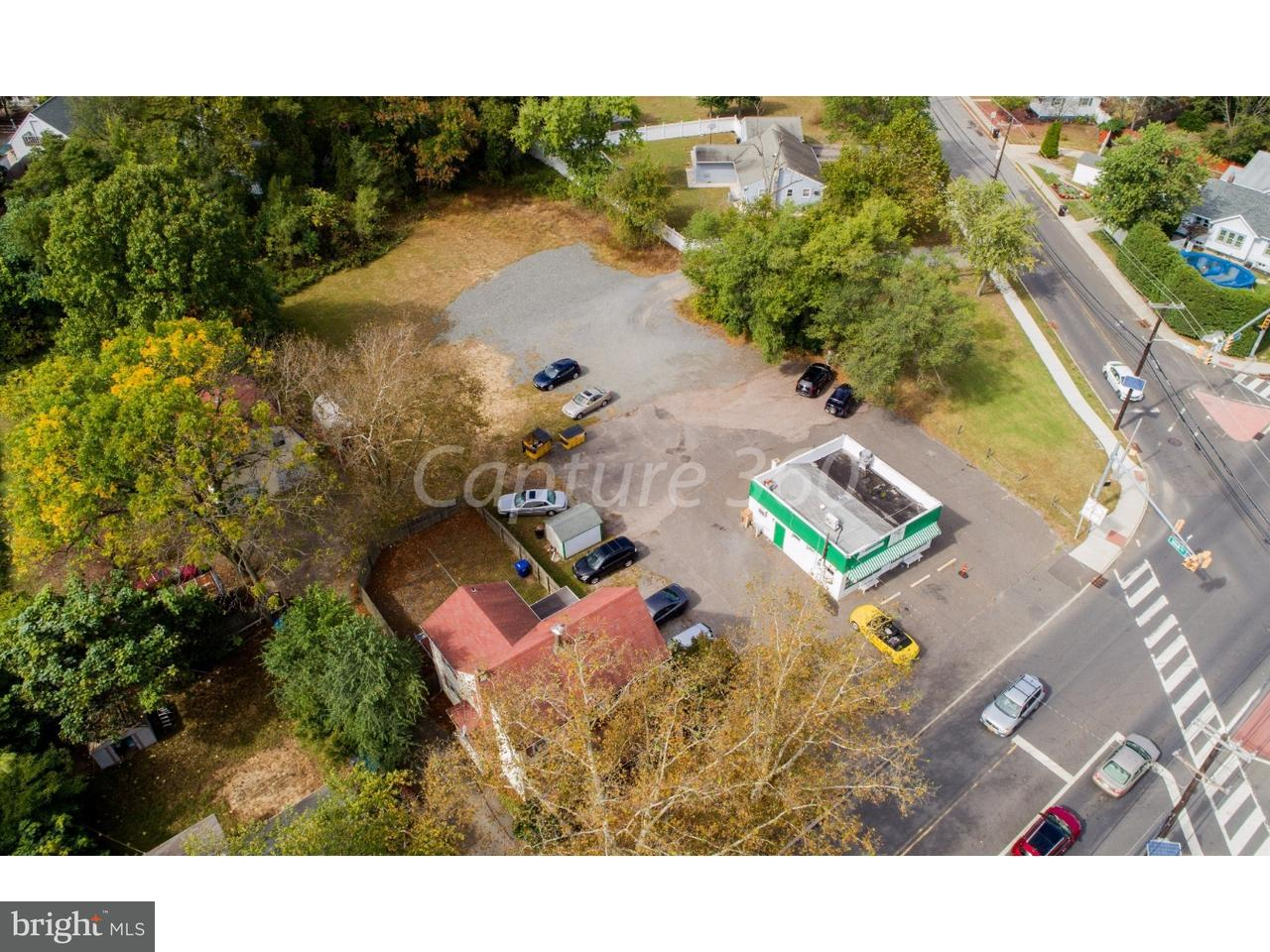 Частный односемейный дом для того Продажа на 102-104 S BRIDGEBORO Street Delran Township, Нью-Джерси 08075 Соединенные Штаты