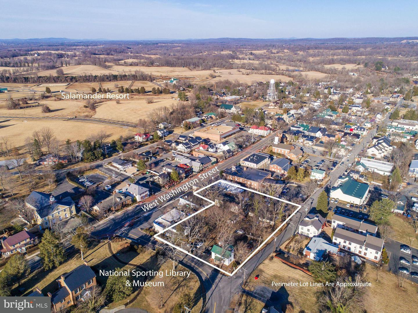 Commercial for Sale at 115 Washington St W Middleburg, Virginia 20117 United States
