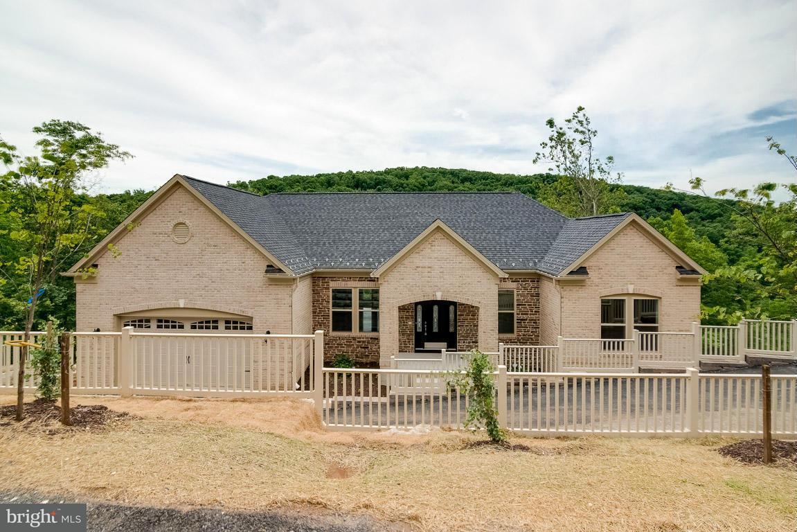 Maison unifamiliale pour l Vente à 6743 Accipiter Drive 6743 Accipiter Drive New Market, Maryland 21774 États-Unis
