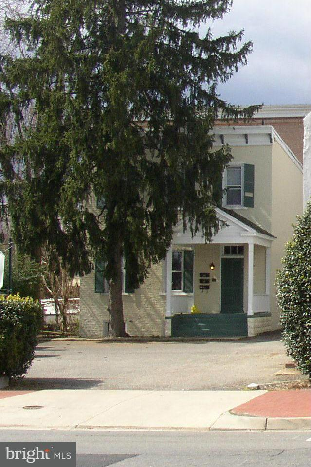 Additional photo for property listing at 706 Princess Anne St  Fredericksburg, Virginia 22401 United States