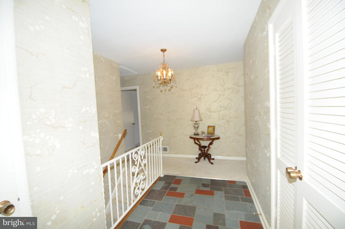 Additional photo for property listing at 7407 Gatewood Court 7407 Gatewood Court Alexandria, 弗吉尼亞州 22307 美國