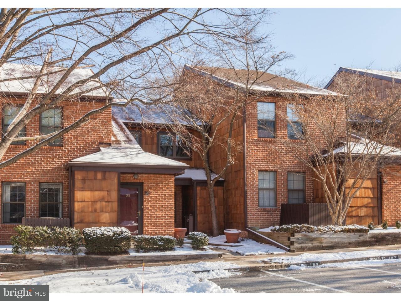 Частный односемейный дом для того Продажа на 18 RITTENHOUSE CT #188 Chesterbrook, Пенсильвания 19087 Соединенные Штаты