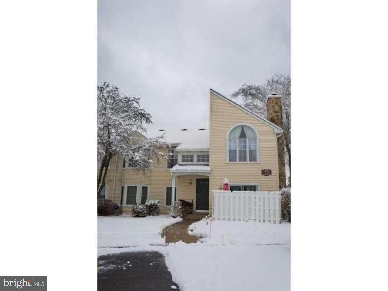 Casa Unifamiliar por un Alquiler en 27 DENNIS Court Hightstown, Nueva Jersey 08520 Estados UnidosEn/Alrededor: Hightstown Borough