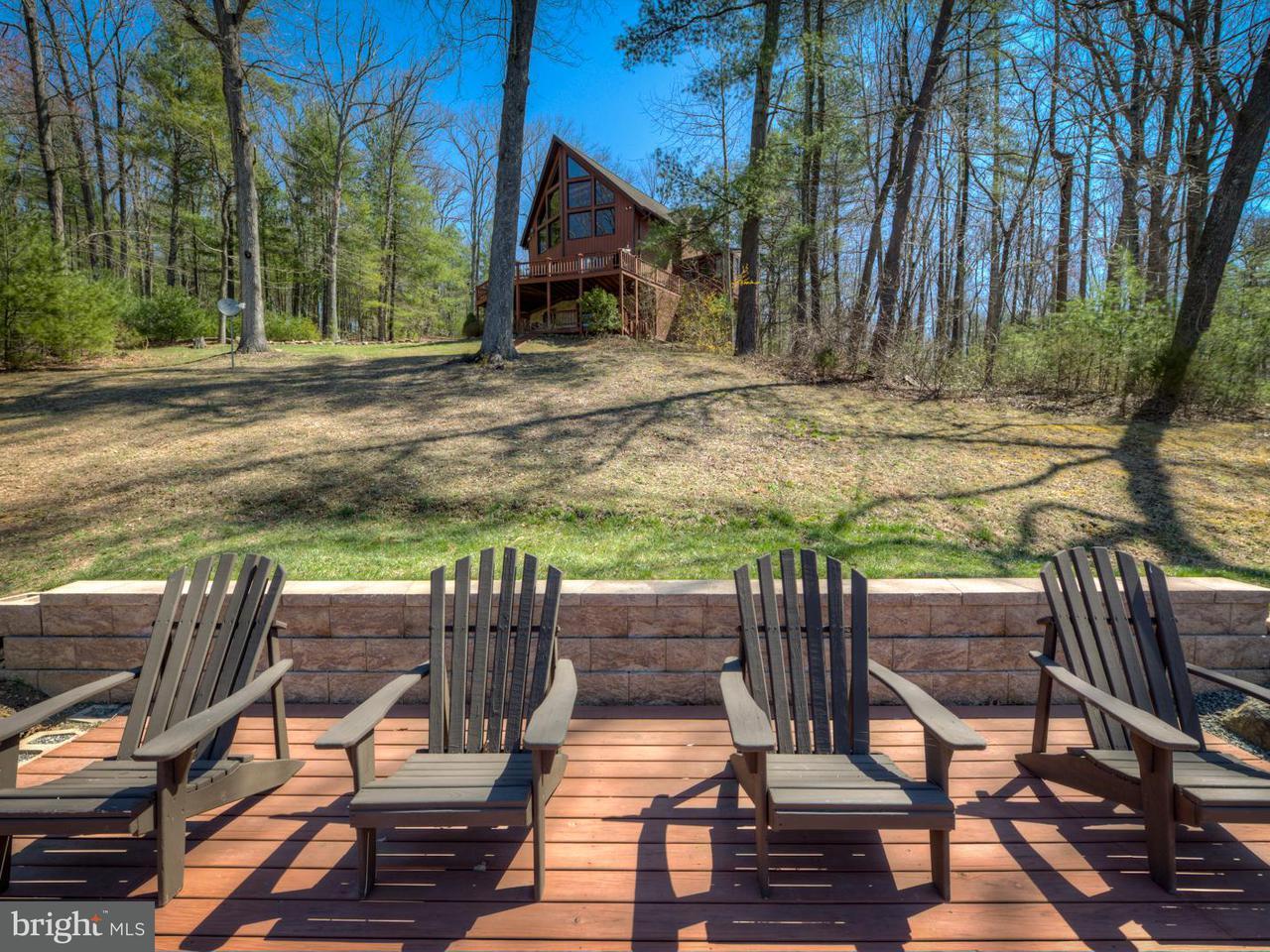 Частный односемейный дом для того Продажа на 2305 Middle River Road 2305 Middle River Road Stanardsville, Виргиния 22973 Соединенные Штаты