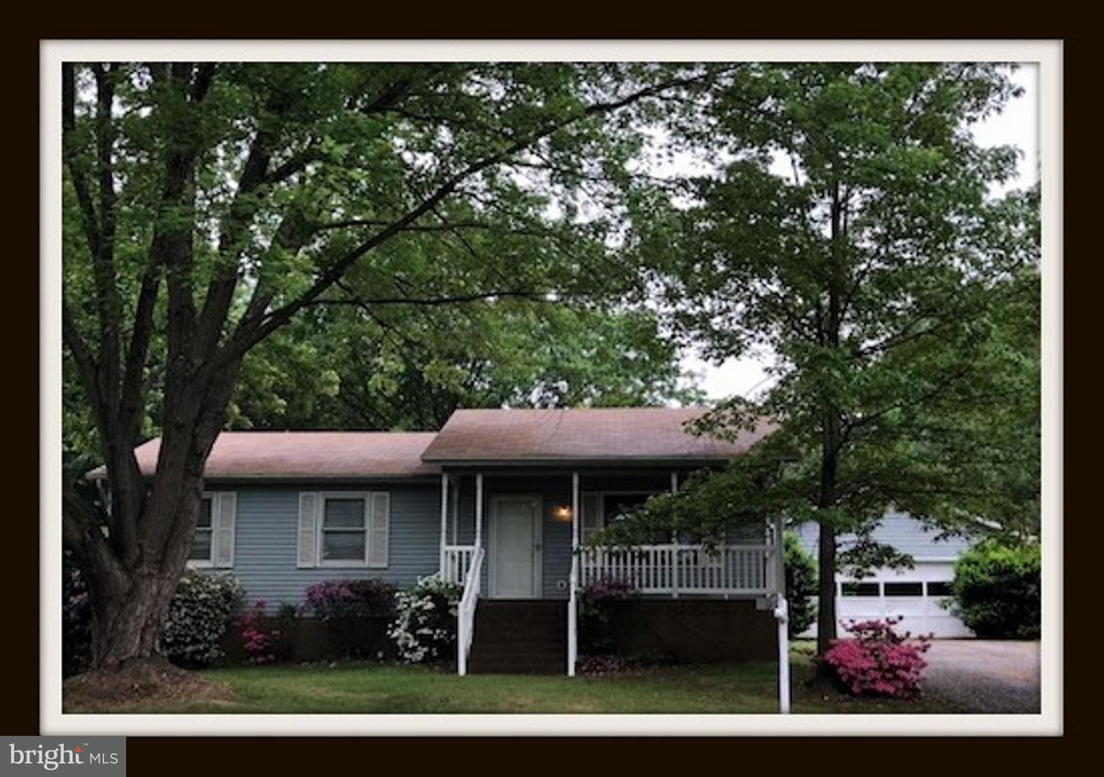 Photo of home for sale at 9 Mclaughlin Street, Stafford VA