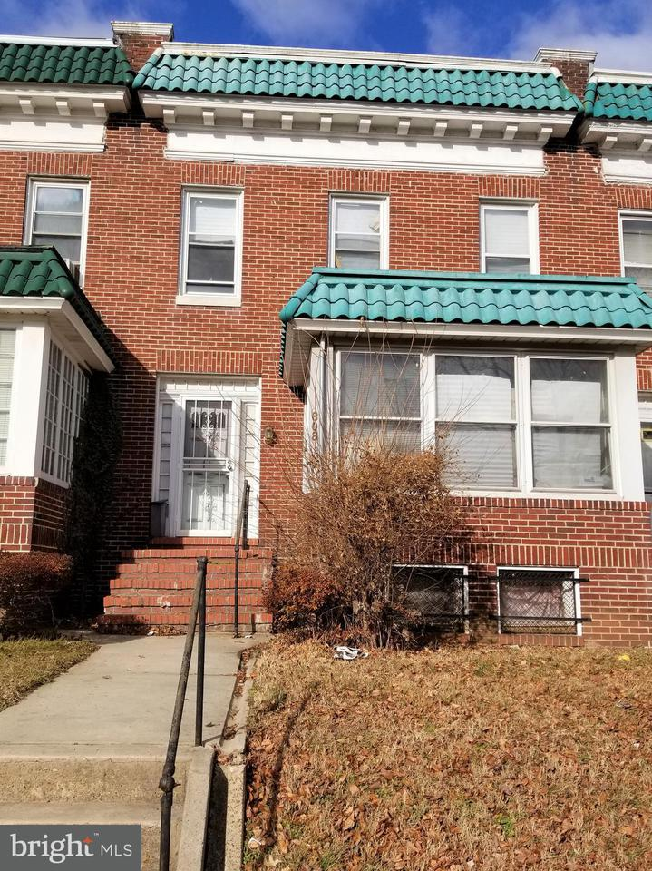 Single Family for Sale at 808 33rd St Baltimore, Maryland 21218 United States
