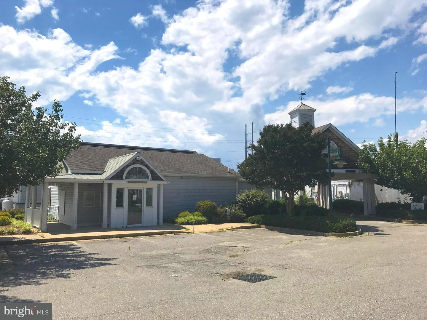 Commercial for Sale at 70 Holiday Dr Solomons, Maryland 20688 United States