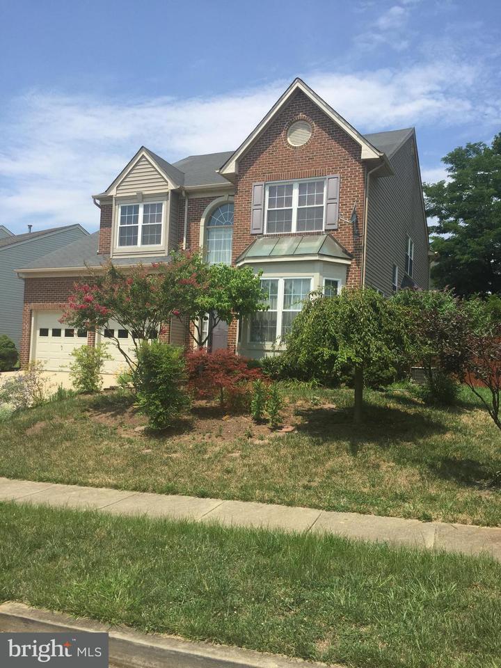 Частный односемейный дом для того Продажа на 6515 Asset Drive 6515 Asset Drive Landover, Мэриленд 20785 Соединенные Штаты