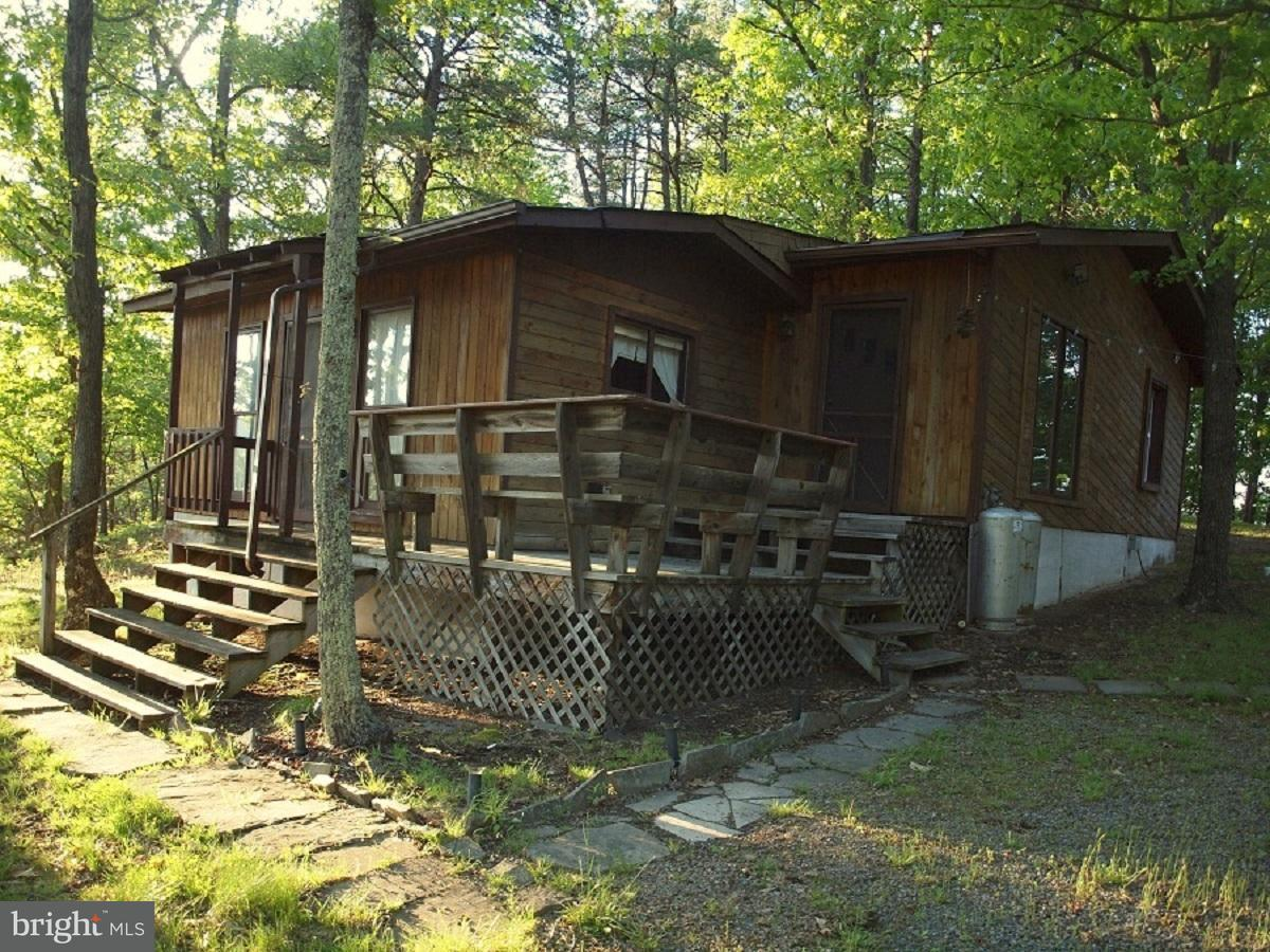 Single Family for Sale at 13 Middle Mountain Road Upper Tract, West Virginia 26866 United States