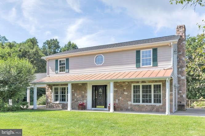 Farm for Sale at 19 Hickerson Mtn Ln Flint Hill, Virginia 22627 United States