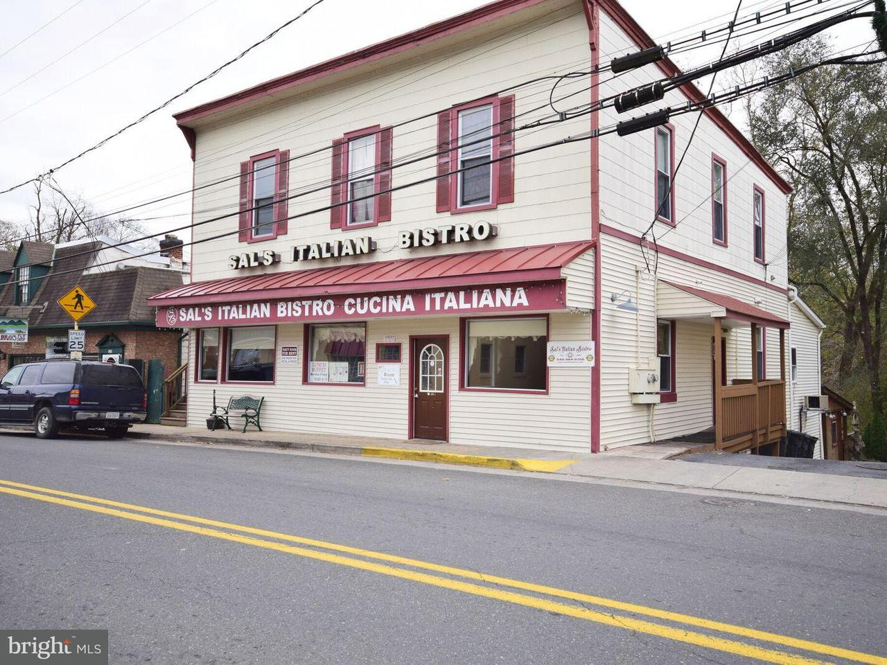 Commercial for Sale at 125 South Main St Edinburg, Virginia 22824 United States
