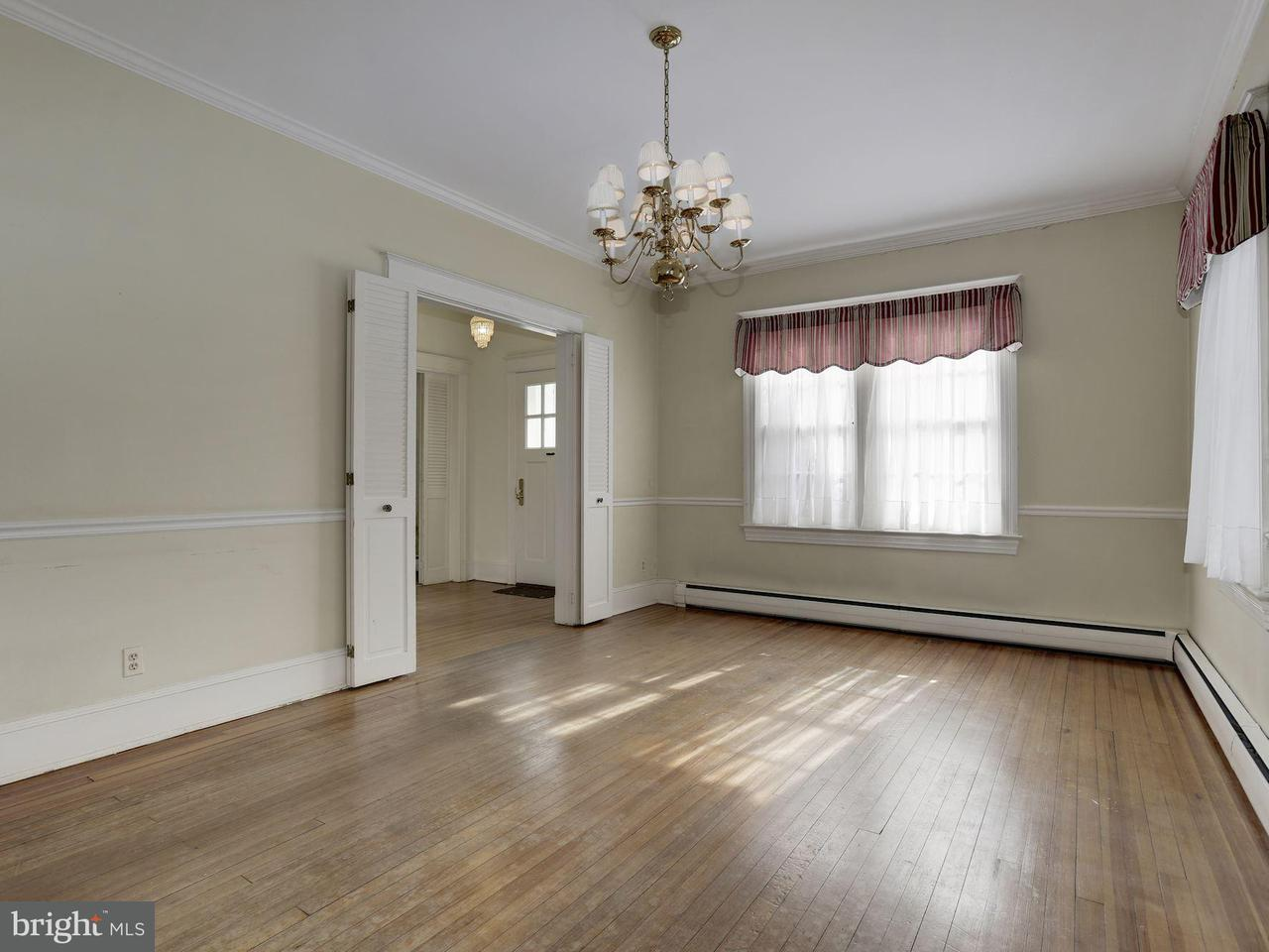 Additional photo for property listing at 3615 Raymond Street 3615 Raymond Street Chevy Chase, Maryland 20815 United States