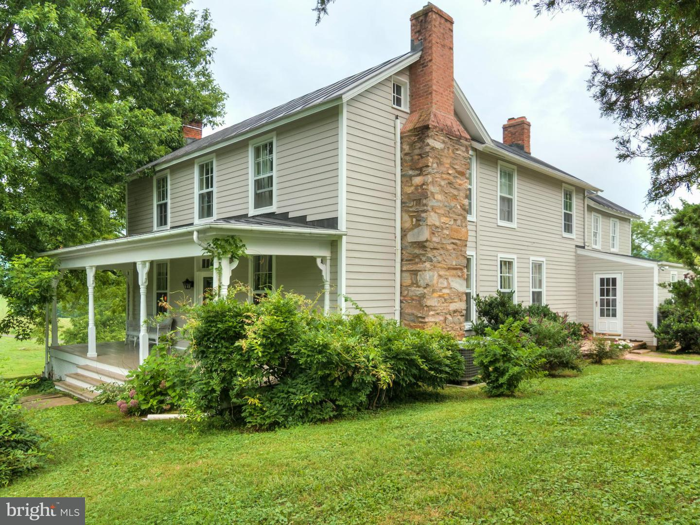 Single Family for Sale at 4201 Fox Den Ln The Plains, Virginia 20198 United States