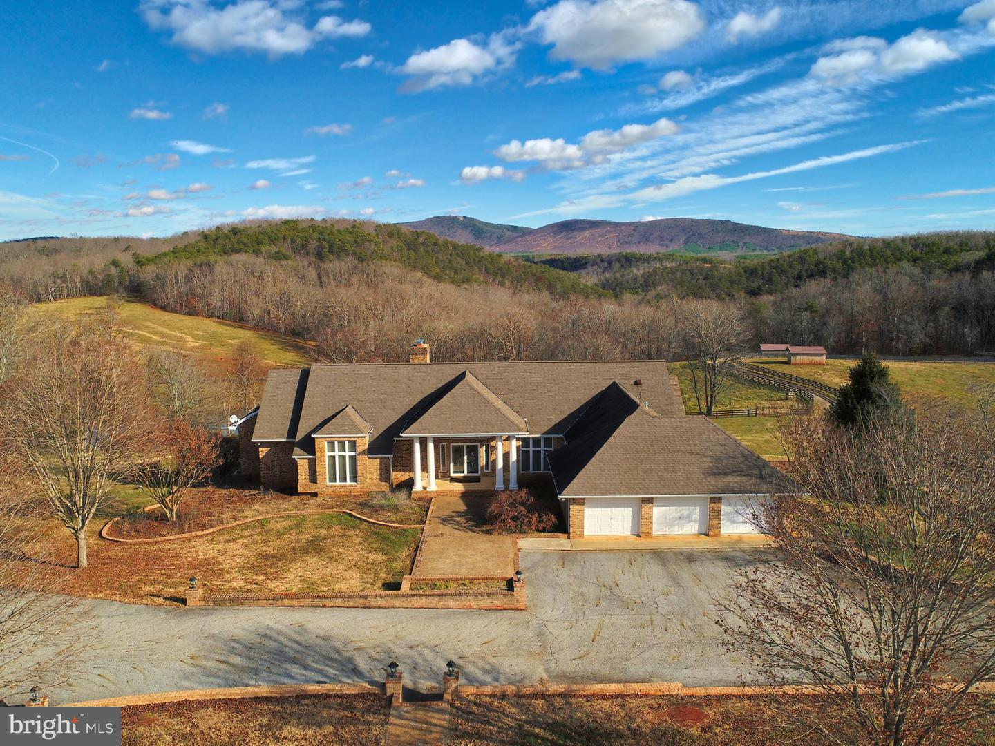 Farm for Sale at 258 River Rd Buckingham, Virginia 23921 United States