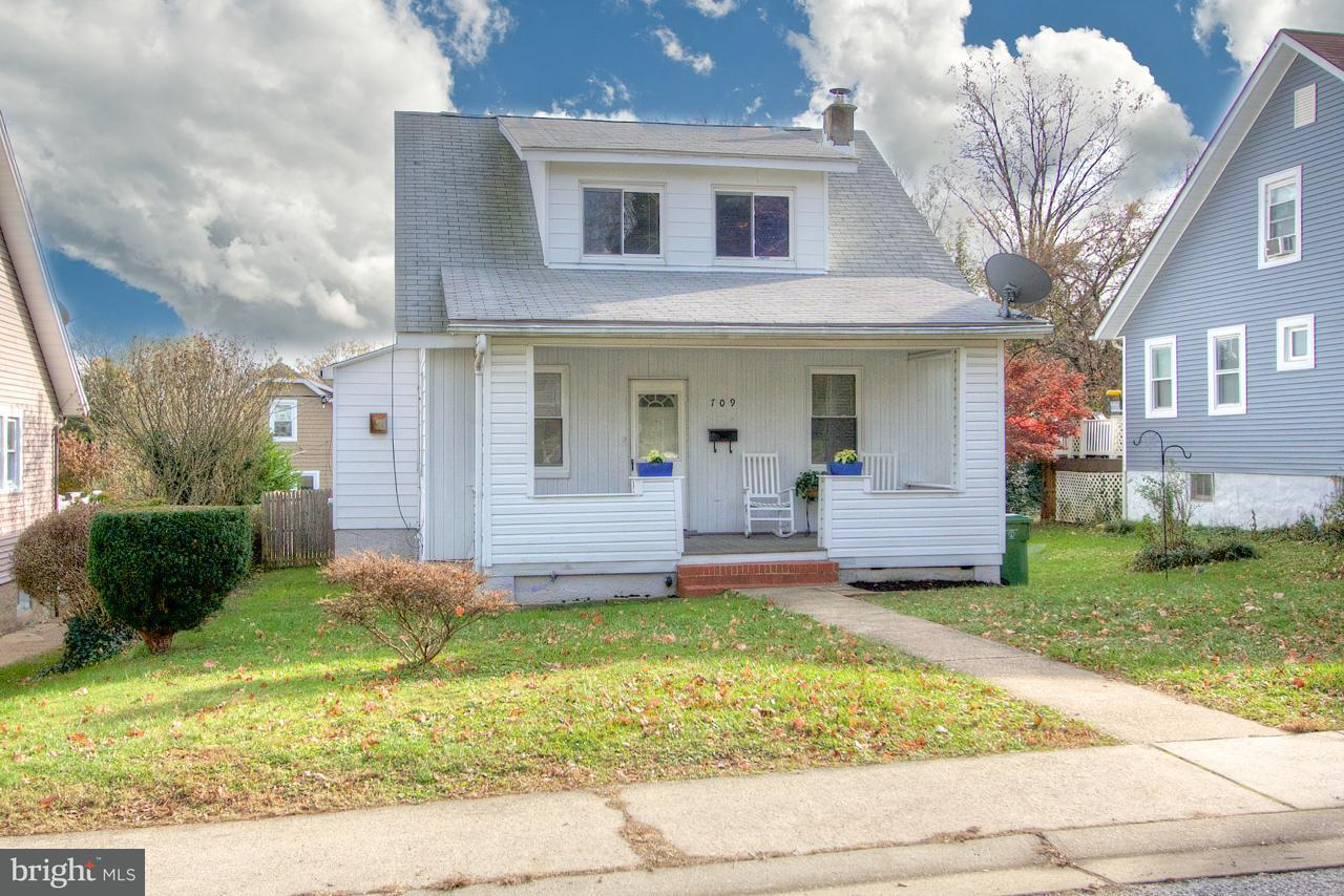 Single Family for Sale at 709 Gittings Ave Baltimore, Maryland 21212 United States