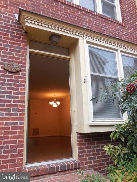 Other Residential for Rent at 538 West St Alexandria, Virginia 22314 United States