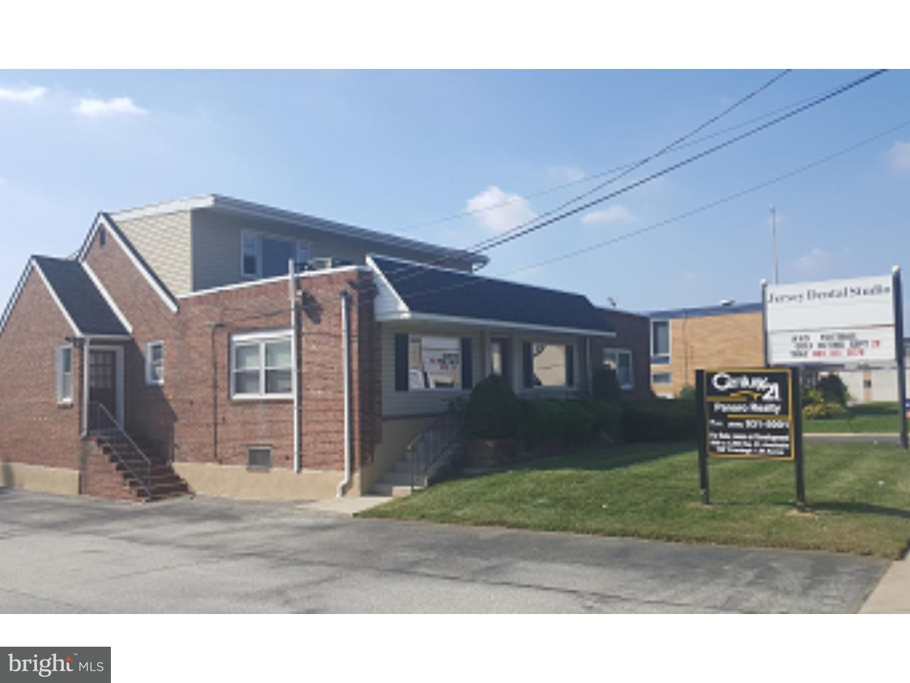 Additional photo for property listing at 127 N BLACK HORSE PIKE  Mount Ephraim, New Jersey 08059 États-Unis