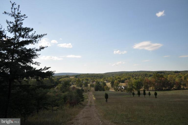 Additional photo for property listing at Highland Ridge Rd.  Berkeley Springs, West Virginia 25411 United States