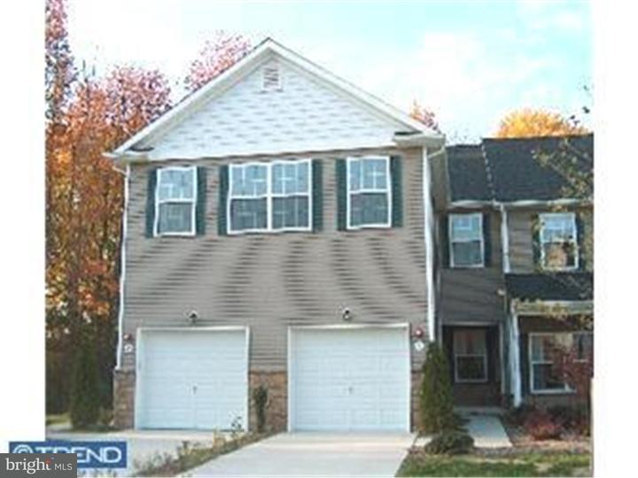 Casa unifamiliar adosada (Townhouse) por un Alquiler en 4 TROUT Trail Delanco Township, Nueva Jersey 08075 Estados Unidos