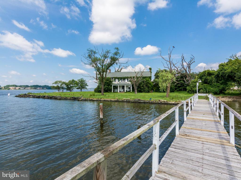 400  FERRY POINT ROAD, Annapolis, Maryland