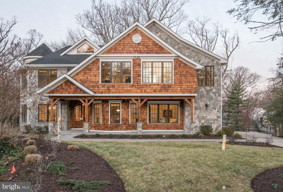 獨棟家庭住宅 為 出售 在 3405 Rolling Court 3405 Rolling Court Chevy Chase, 馬里蘭州 20815 美國