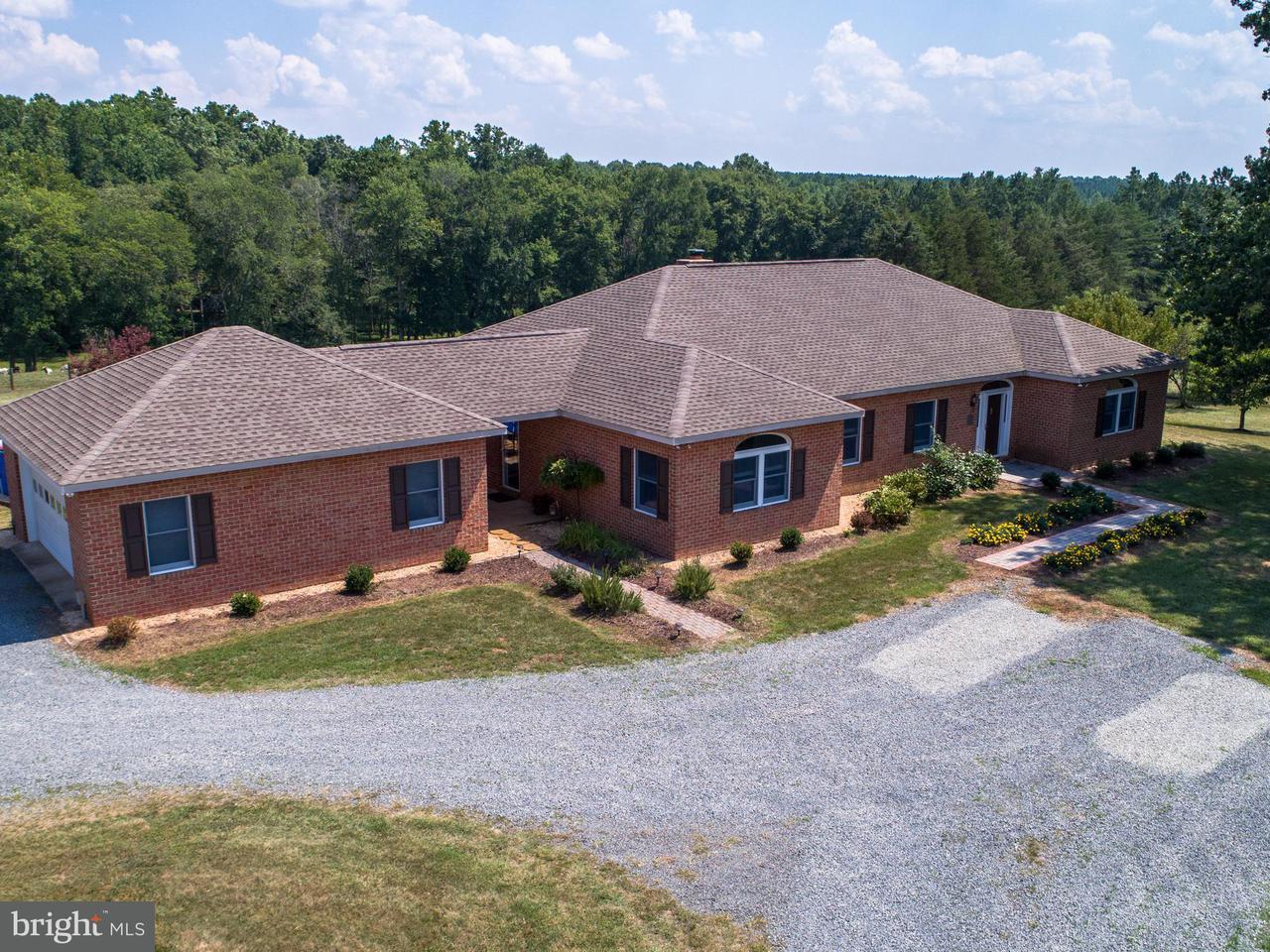 Farm for Sale at 13358 Arrowhead Ln Sumerduck, Virginia 22742 United States