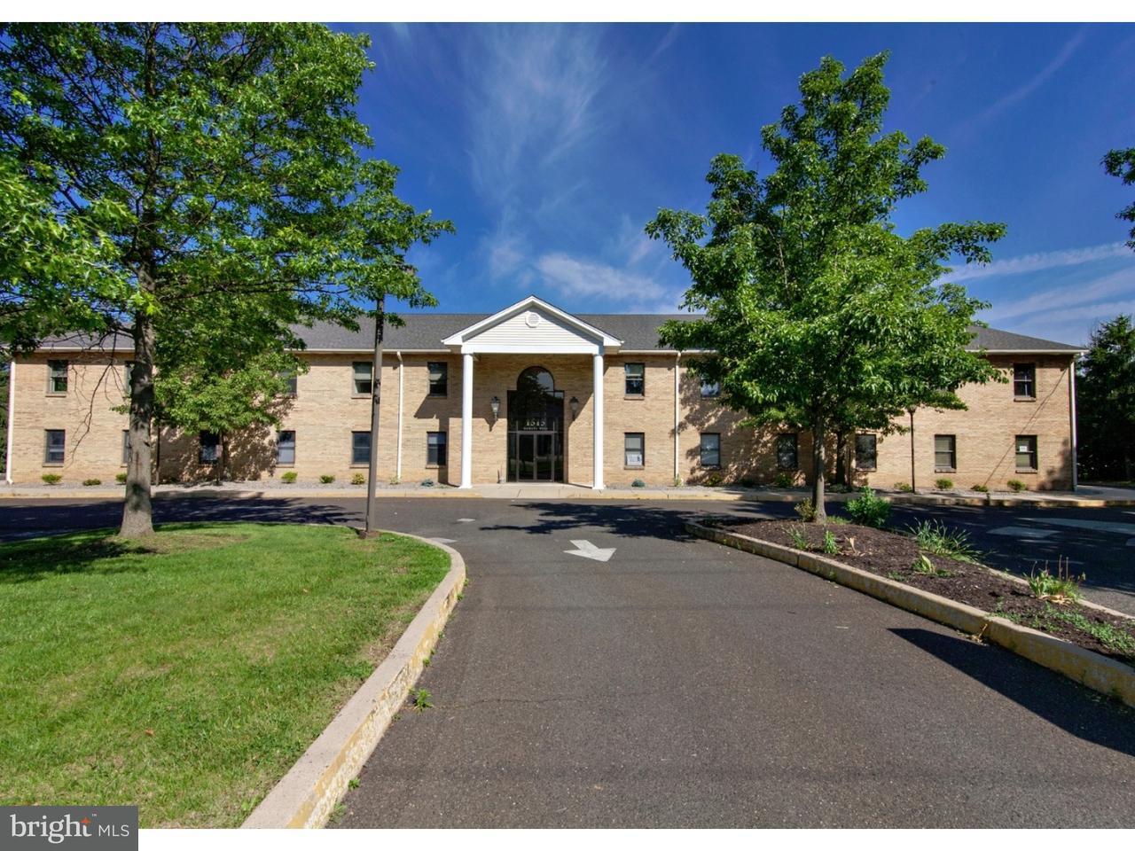 Частный односемейный дом для того Аренда на 1515 DEKALB PIKE #106 Blue Bell, Пенсильвания 19422 Соединенные Штаты