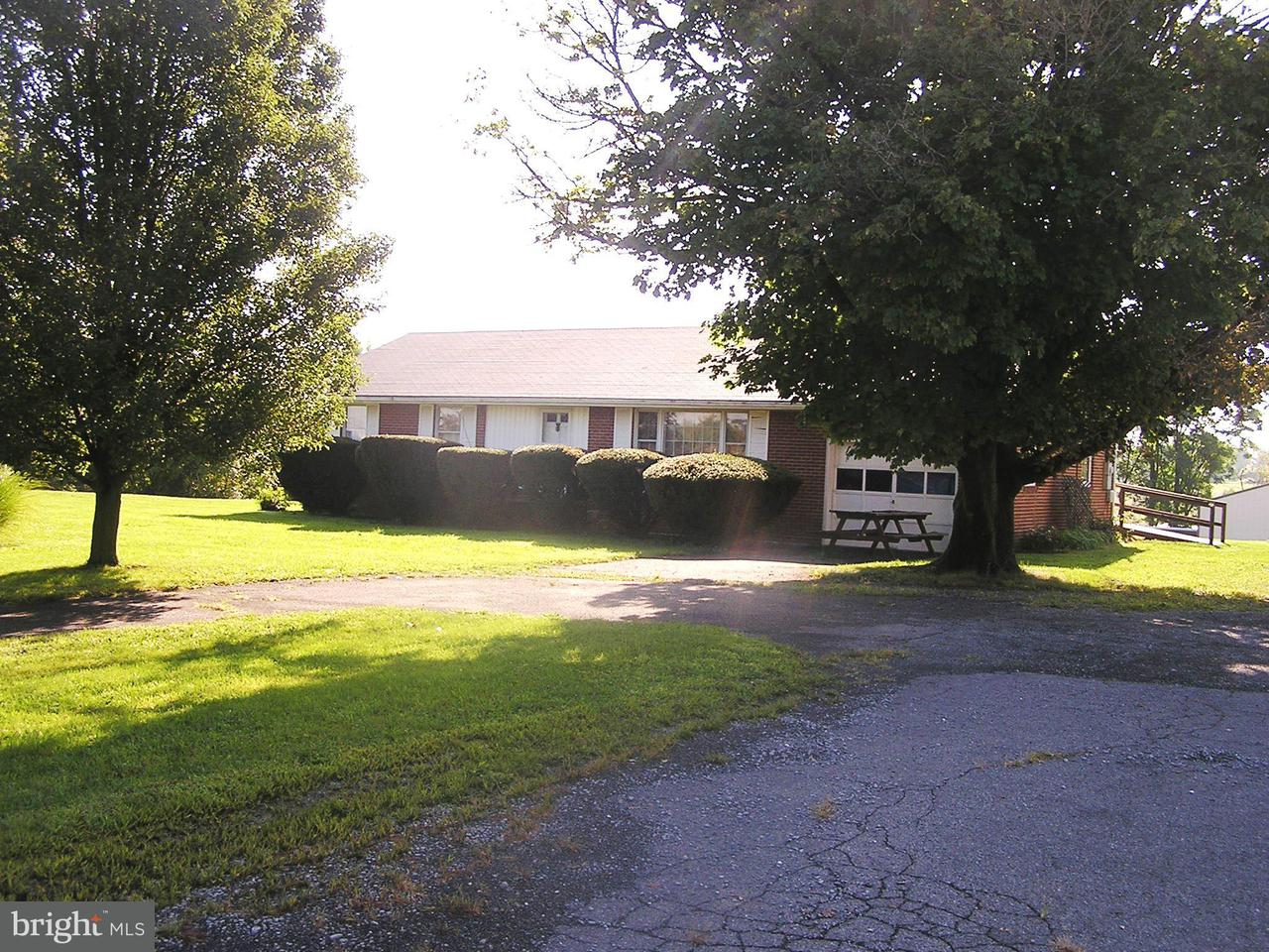 Vivienda unifamiliar por un Venta en 2682 Martinsburg Pike 2682 Martinsburg Pike Stephenson, Virginia 22656 Estados Unidos