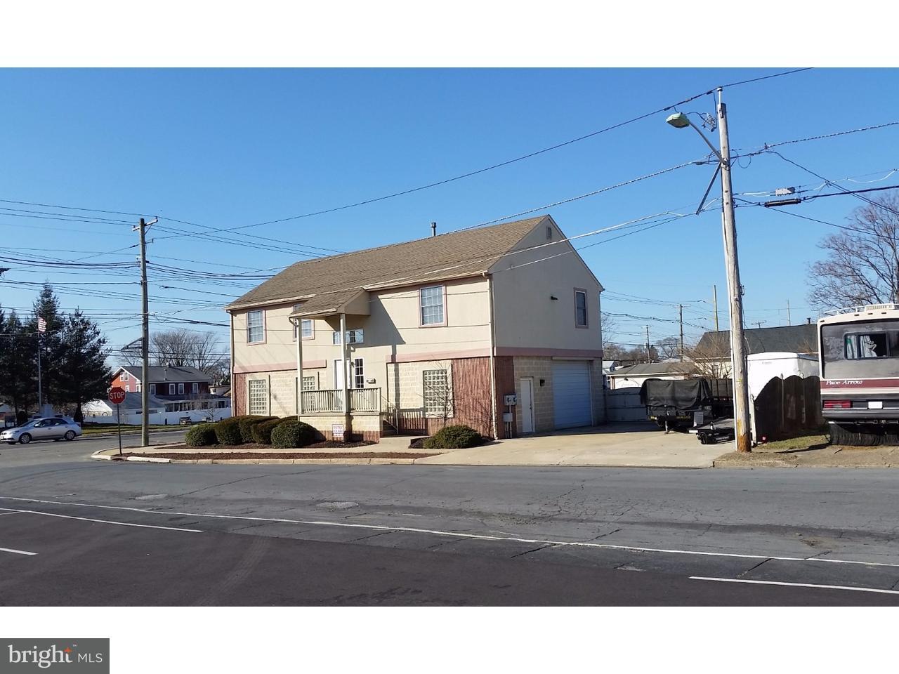 Enfamiljshus för Försäljning vid 800 BLACK HORSE PIKE Glendora, New Jersey 08029 Usa