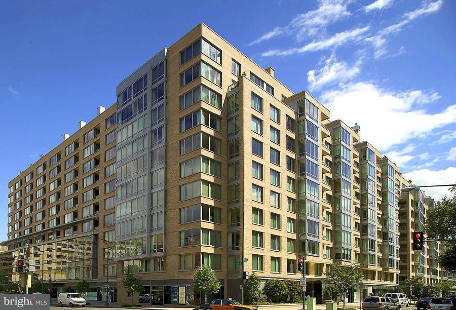 Condominium for Rent at 1155 23rd St NW #6b Washington, District Of Columbia 20037 United States