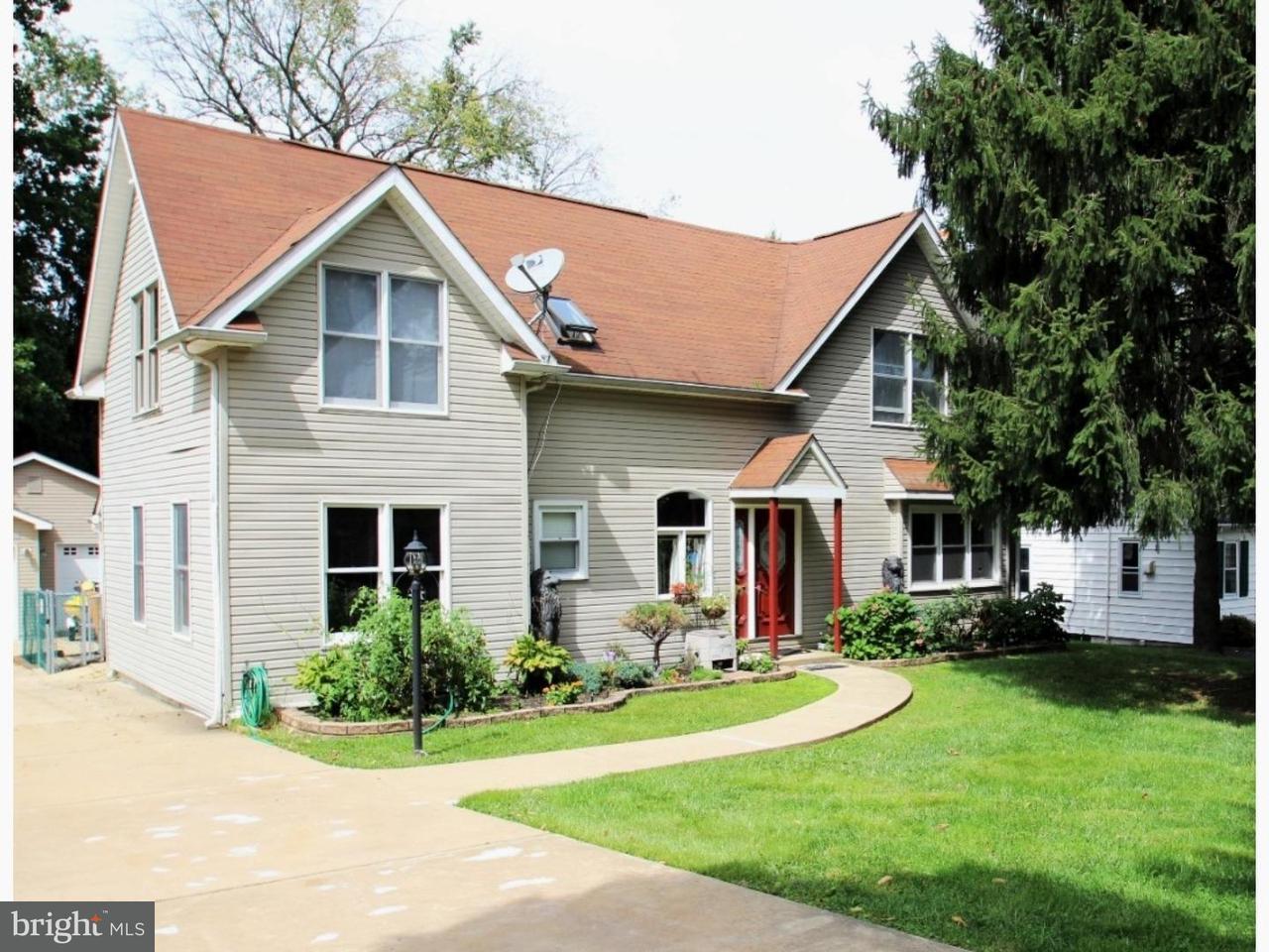 Частный односемейный дом для того Продажа на 2020 MILL Road Marcus Hook, Пенсильвания 19061 Соединенные Штаты