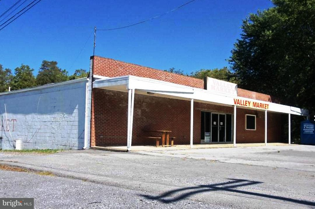Commercial for Sale at 13722 National Pike Clear Spring, Maryland 21722 United States