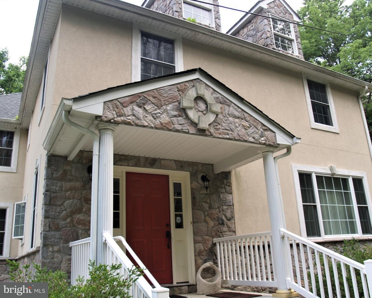 Casa Unifamiliar por un Venta en 2249 HONEYSUCKLE Road Allentown, Pennsylvania 18103 Estados Unidos