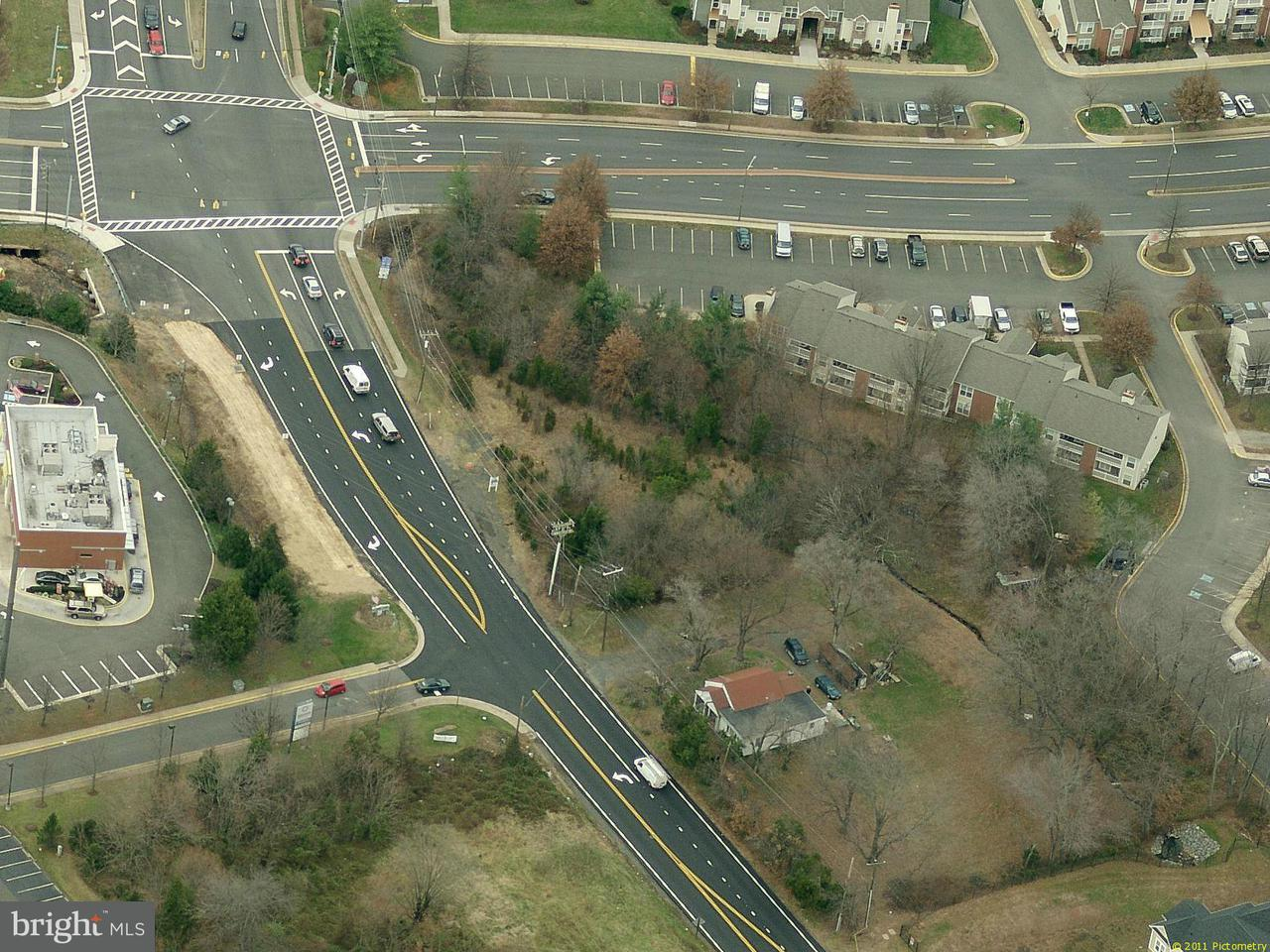 Additional photo for property listing at 10219 Dumfries Rd  Manassas, Virginia 20110 United States