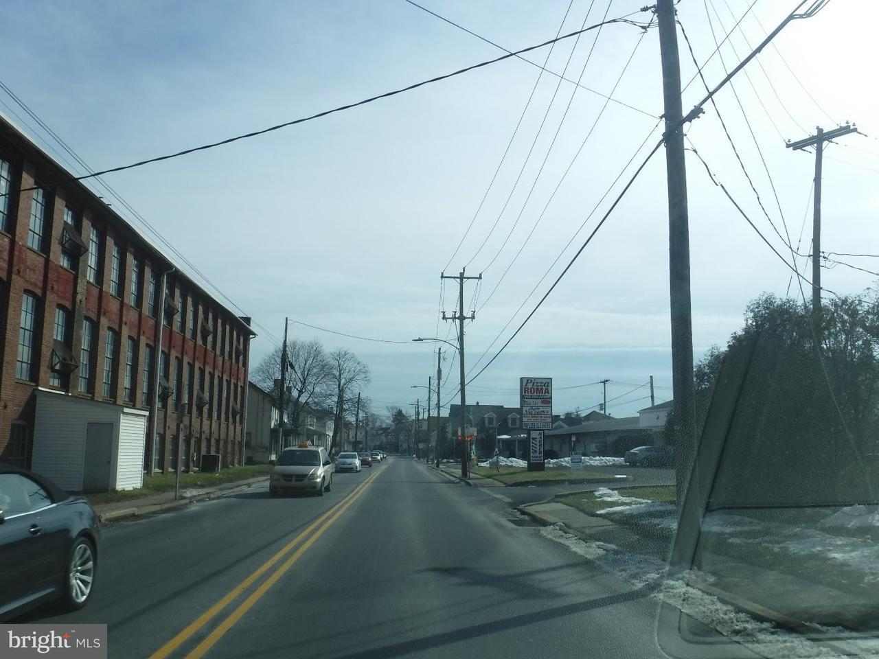Additional photo for property listing at 1408 W BROAD ST #3  Quakertown, Пенсильвания 18951 Соединенные Штаты