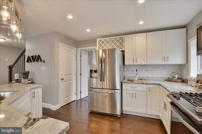 Single Family for Sale at 725 Morningside Dr Parkville, Maryland 21234 United States